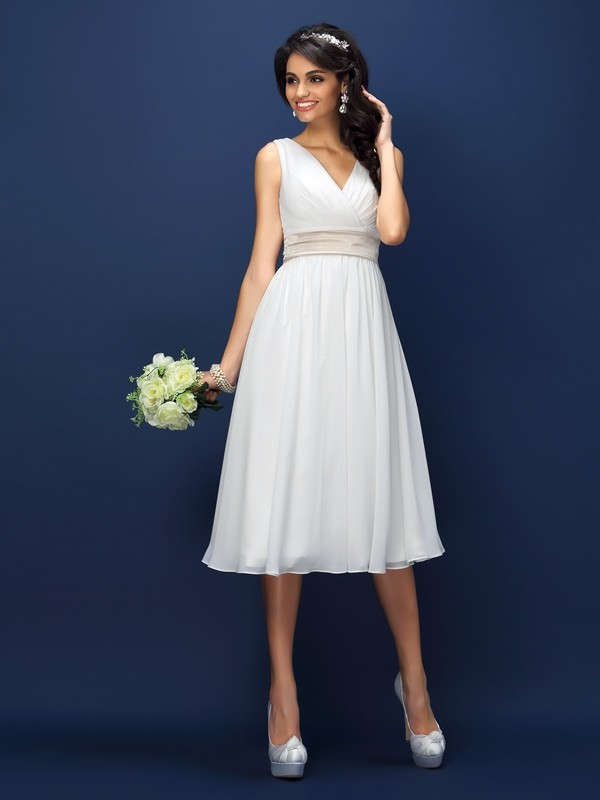 A-Line/Princess V-neck Pleats Sleeveless Short Chiffon Bridesmaid Dresses