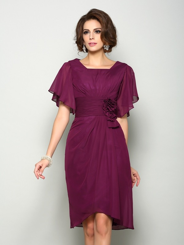 A-Line/Princess Square Hand-Made Flower Short Sleeves Short Chiffon Mother of the Bride Dresses