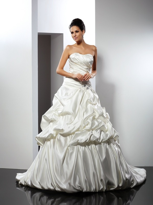 Ball Gown Sweetheart Sleeveless Long Satin Wedding Dresses