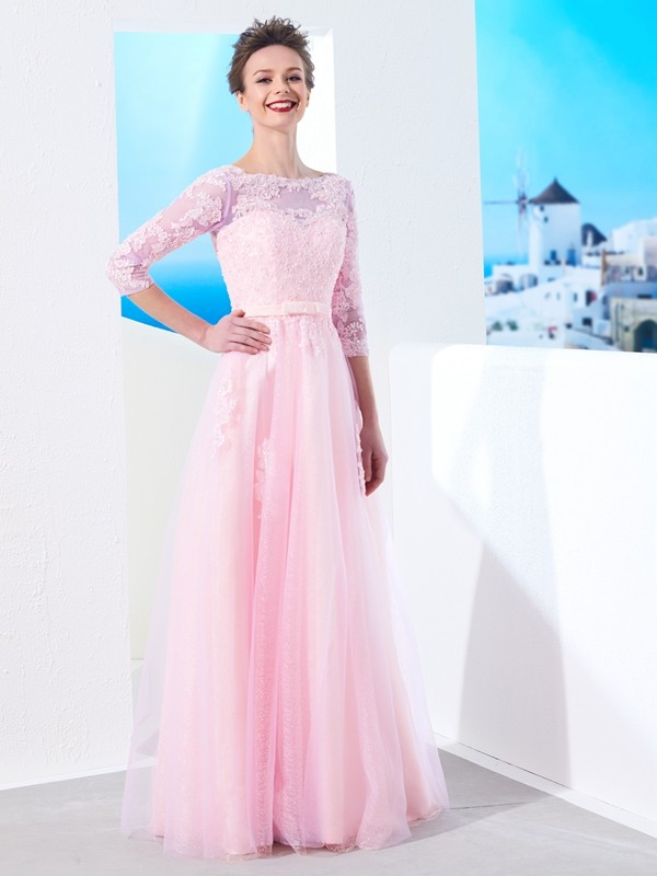 A-Line/Princess Bateau 1/2 Sleeves Floor-Length Applique Tulle Dresses