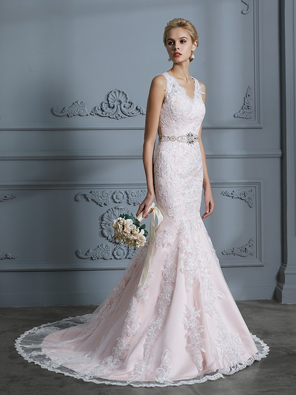 Trumpet/Mermaid V-neck Sleeveless Applique Tulle Court Train Wedding Dresses