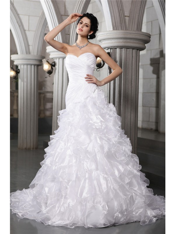 A-Line/Princess Sweetheart Sleeveless Pleats Beading Long Organza Wedding Dresses