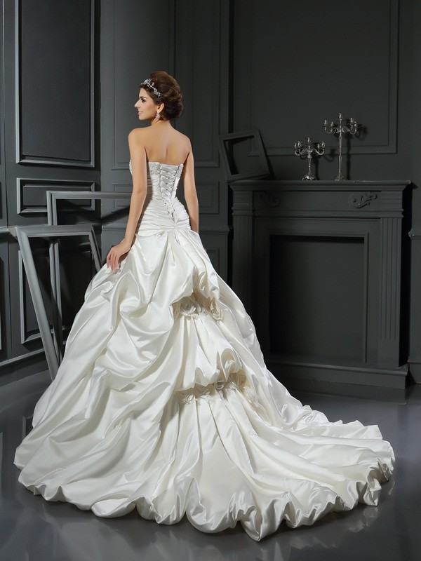 Ball Gown Sweetheart Beading Applique Sleeveless Long Satin Wedding Dresses