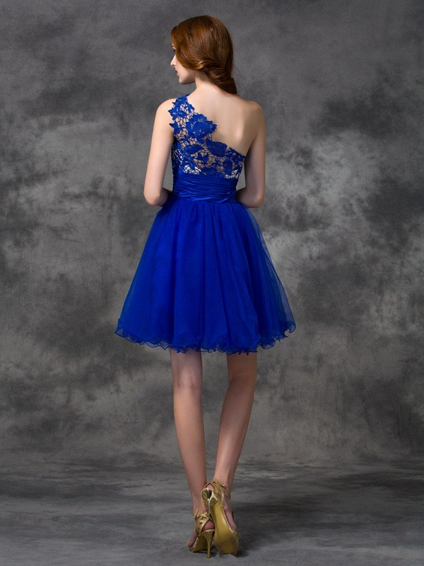 A-line/Princess One-Shoulder Lace Sleeveless Short Satin Dresses