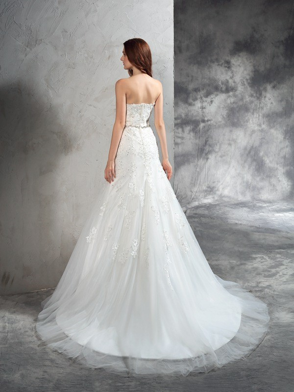 Sheath/Column Sweetheart Applique Sleeveless Long Satin Wedding Dresses